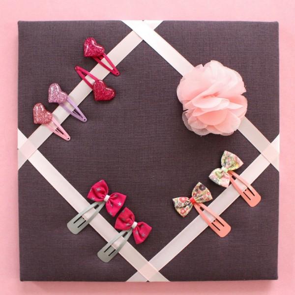Cadre barrettes prune fleur