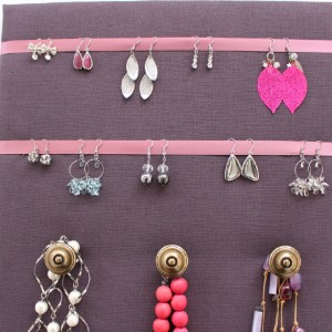 Porte-bijoux prune