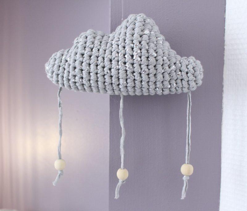 mobile suspension nuage gris argent d coration chambre b b. Black Bedroom Furniture Sets. Home Design Ideas