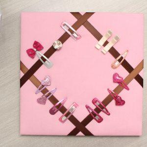 Cadre barrettes rose marron bouton fleuri