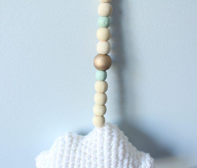 jolie guirlande nuage et perles vertes et or. Black Bedroom Furniture Sets. Home Design Ideas