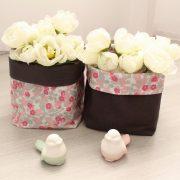 Duo de paniers souples en tissu gris plomb et fleurs roses