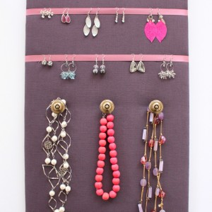 Porte bijoux prune Décoration murale