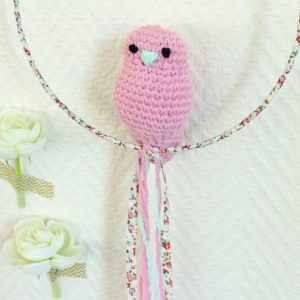 Mobile suspension oiseau rose bonbon et liberty