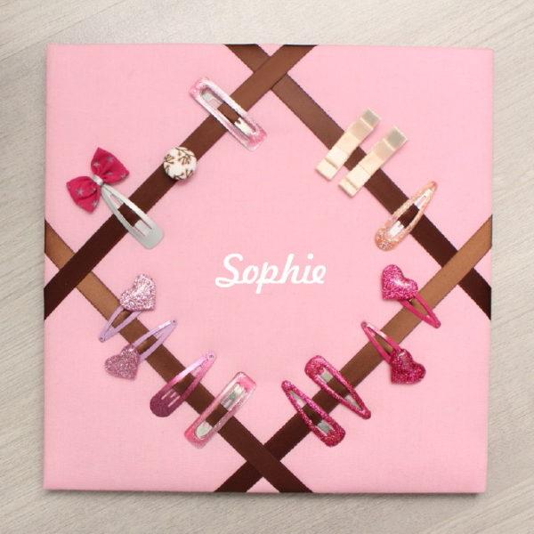 Cadre pour barrettes rose et marron Personnalisable