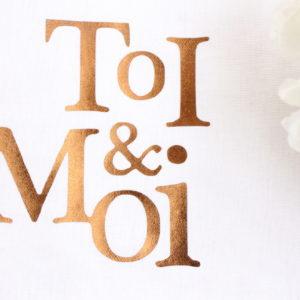 Coussin pompons TOI et MOI Cadeau de mariage Saint Valentin