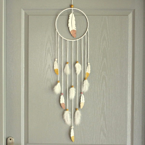 attrape reve plume rose blanc et or cadeau original. Black Bedroom Furniture Sets. Home Design Ideas