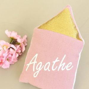 Coussin musical Maisonnette rose toit pailleté personnalisable