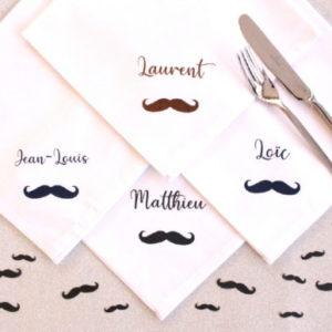 Serviette de table Moustache personnalisable avec un prénom