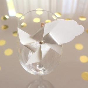 Marque-verre Marque-place Moulin à vent et Nuage or