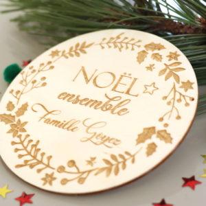 """Plaque déco en bois Couronne """"Noël ensemble"""" famille personnalisable"""