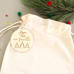 Pochon Hotte de Noël avec boule en bois personnalisée
