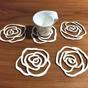 Sous verre en bois en forme de rose
