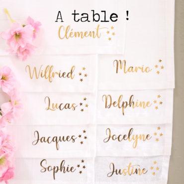 Serviettes de table prénom petites étoiles or brillant