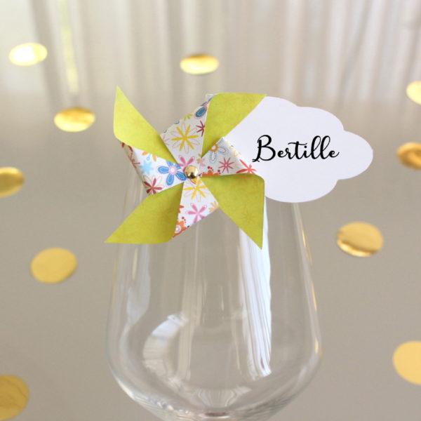 Marque-verre Marque-place Moulin à vent et Nuage fleurs