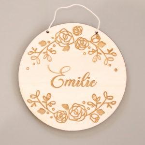 Pancarte médaillon en bois prénom couronne florale