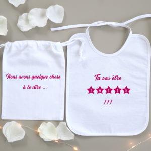 Pochette surprise bavoir Étoiles pour annonce personnalisée grossesse bébé