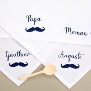 Serviettes de table moustache avec prénom