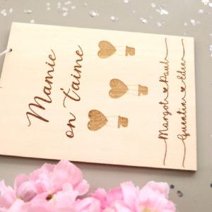 Affichette carte en bois à personnaliser Cœurs montgolfières