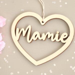 """Suspension cœur en bois Étiquette """"Mamie"""""""
