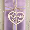 """Suspension cœur en bois Étiquette """"Mamie en or"""""""