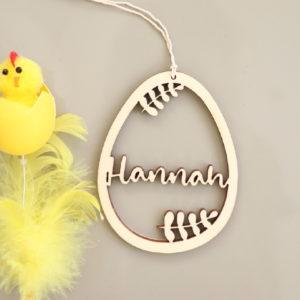 Suspension œuf de Pâques en bois avec prénom