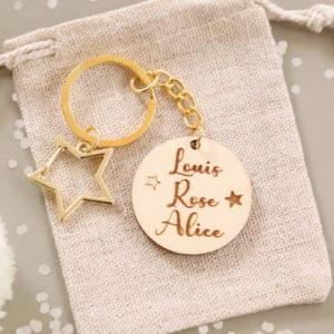 Porte-clés étoile personnalisable avec prénom(s)