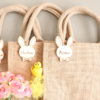 Sac panier de Pâques en jute personnalisé lapin nœud en bois