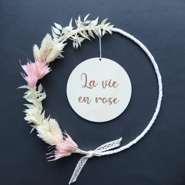 """Couronne de fleurs séchées """"Manon"""" avec Médaillon en bois à personnaliser"""
