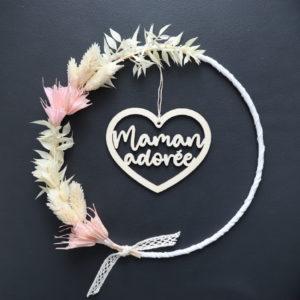"""Couronne de fleurs séchées """"Manon"""" avec Suspension cœur en bois"""