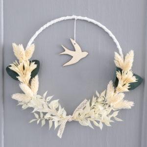 """Couronne de fleurs séchées eucalyptus """"Julia"""" avec hirondelle"""