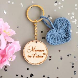 """Porte-clés cœur crochet personnalisable """"On t'aime"""""""