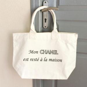 """Sac Cabas blanc """"Mon Chanel est resté à la maison"""""""