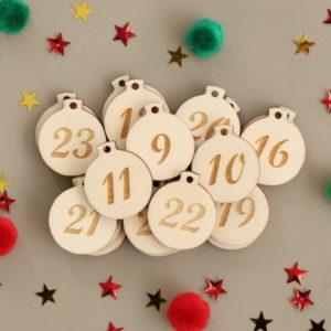 Numéro de l'Avent en bois forme mini boules, étiquettes de Noël x24